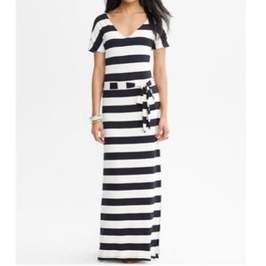 Banana Republic Black/Cream Stripe Maxi Dress M